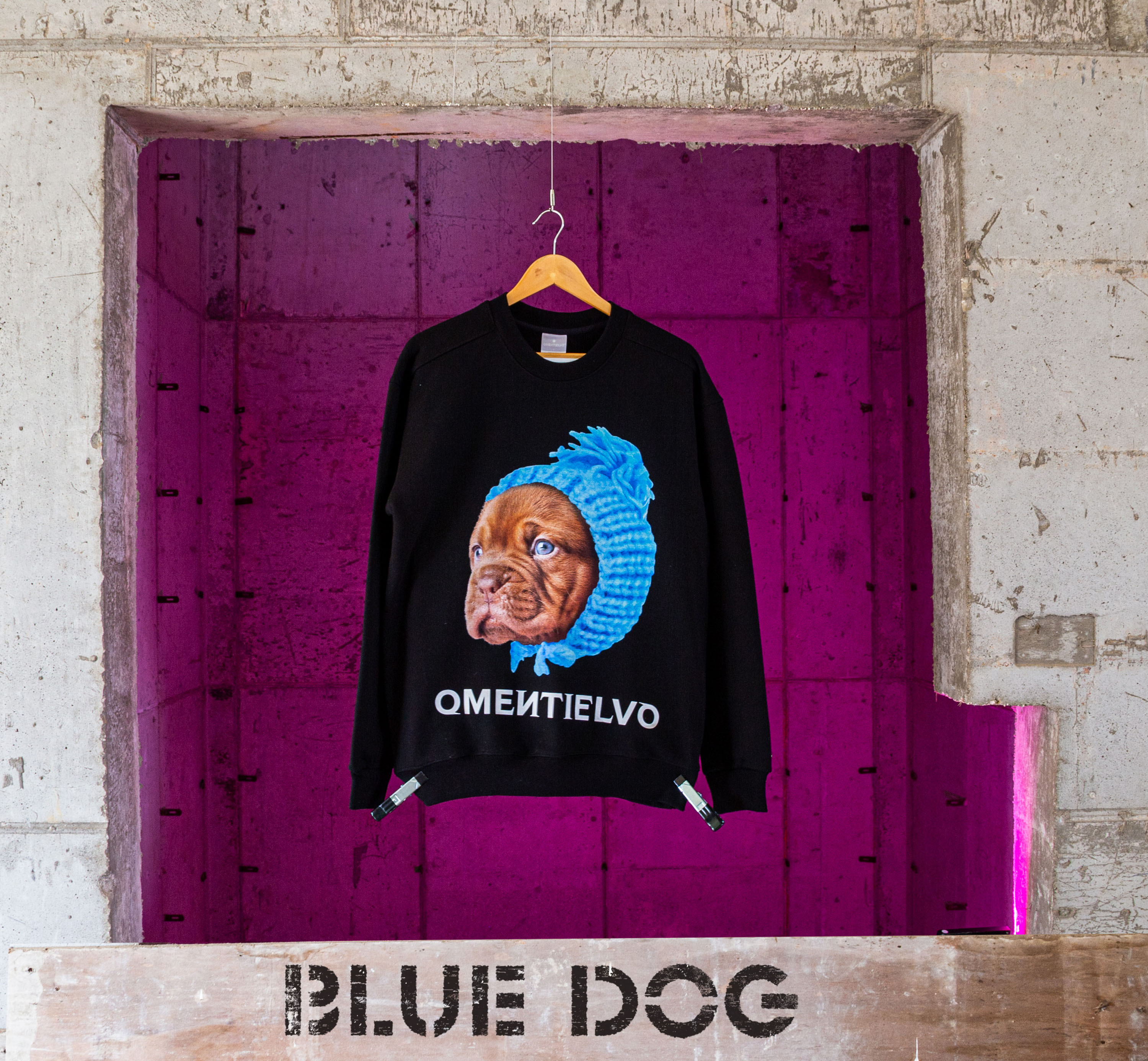 [Sweat Shirt]  Black_BLUE DOG