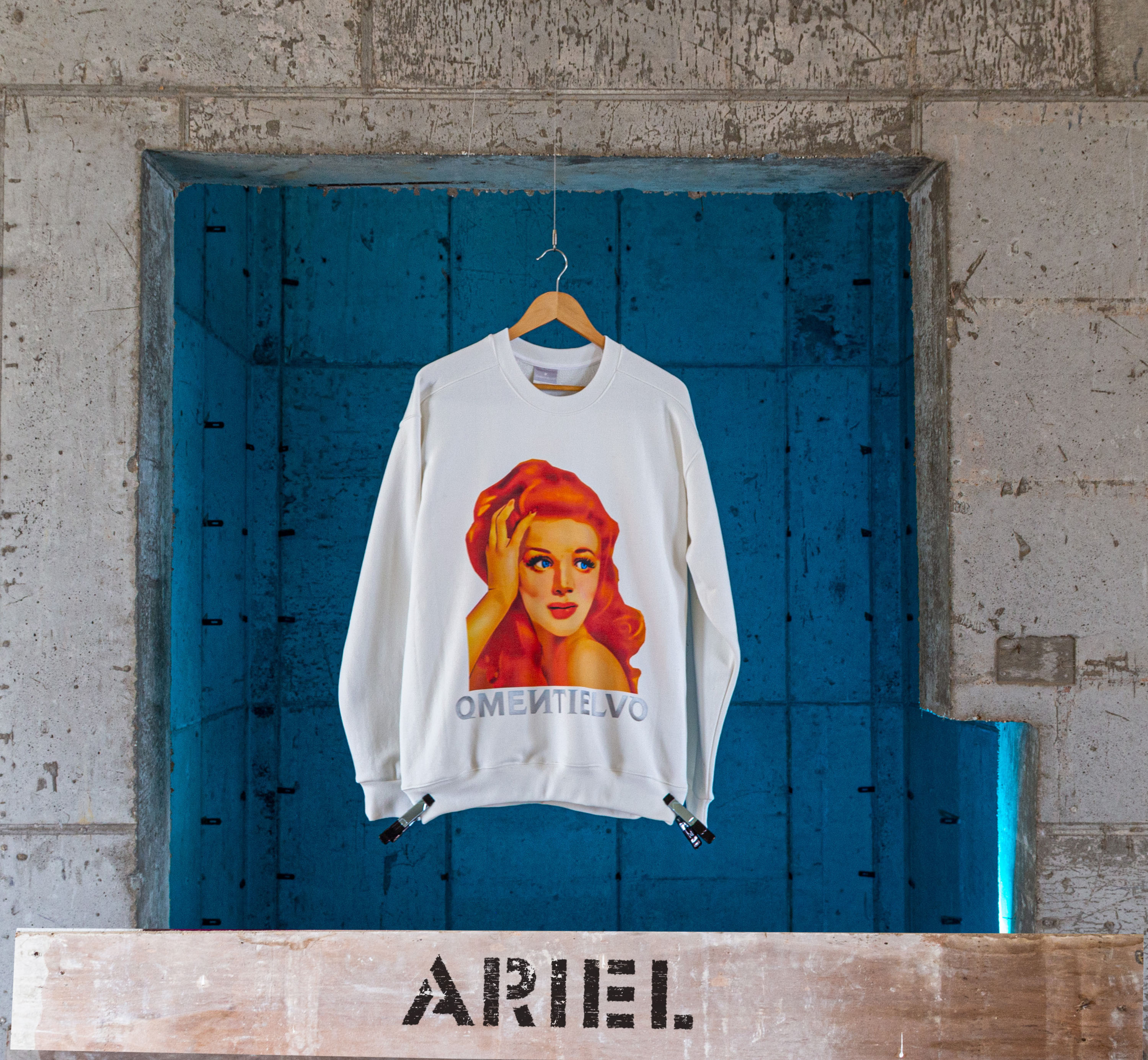 [Sweat Shirt]  White_ARIEL