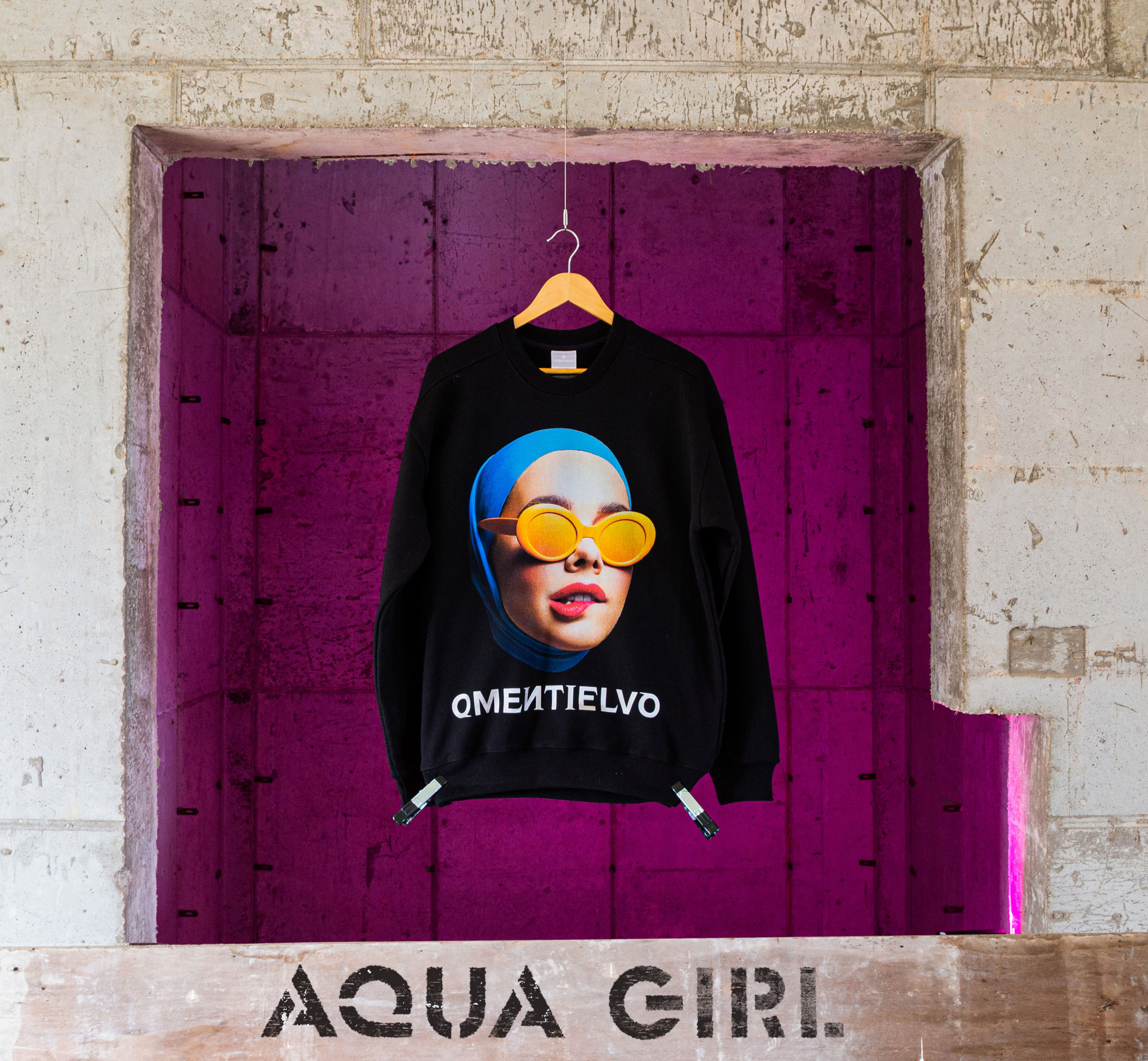 [Sweat Shirt]  Black_AQUA GIRL