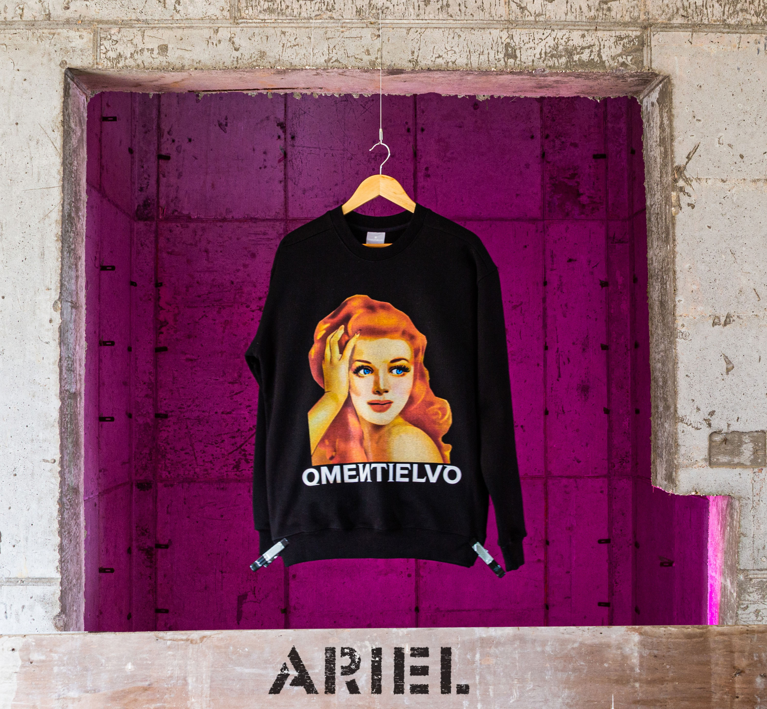 [Sweat Shirt]  Black_ARIEL